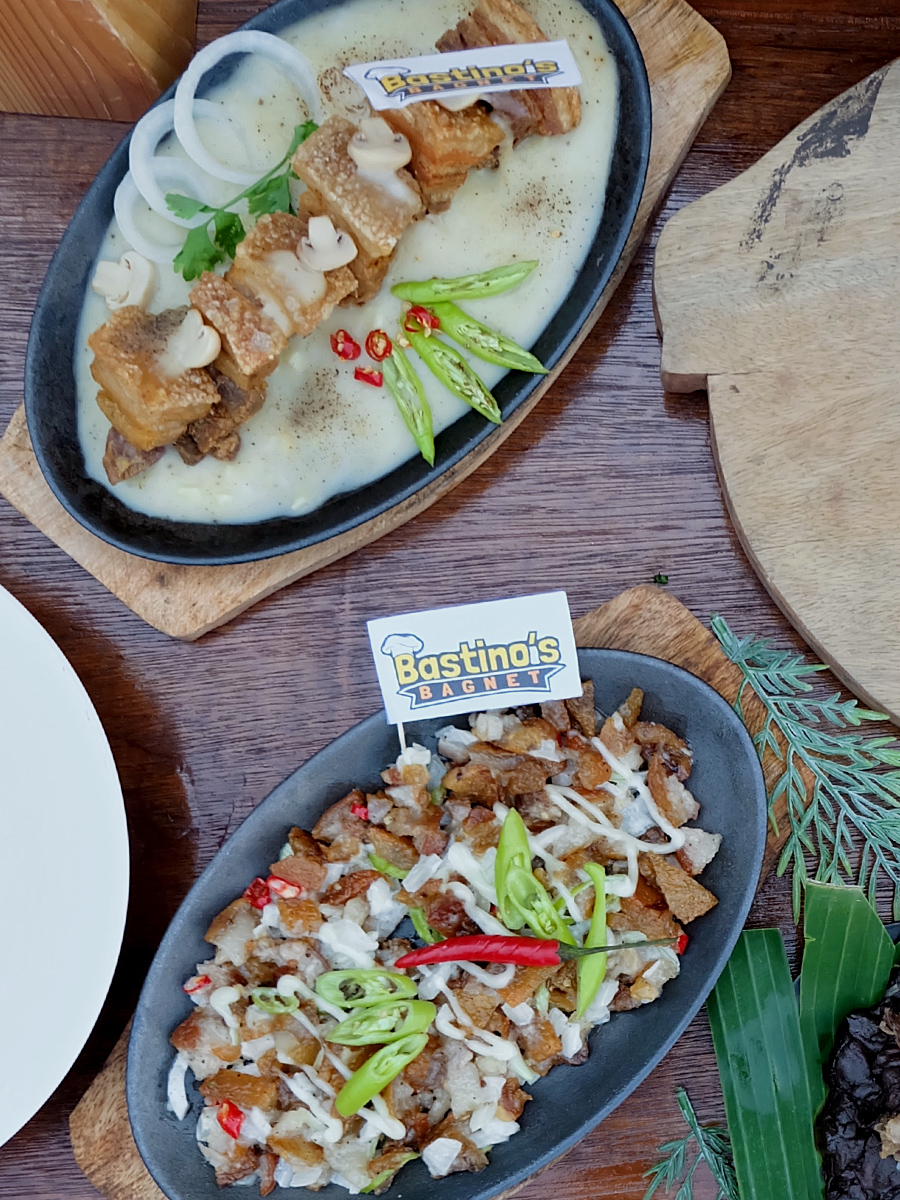 Hoops and Noms: Taft Food by the Court. Bagnet Steak and Bagnet Sisig by Bastino's Bagnet