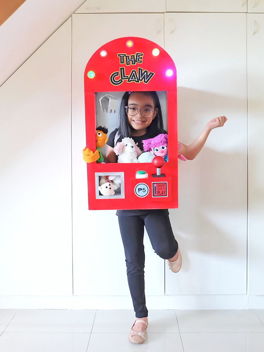 DIY Claw Machine Costume